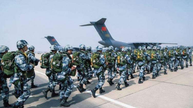 China sender soldater til Venezuela som fra før har tropper fra Cuba og Russland.