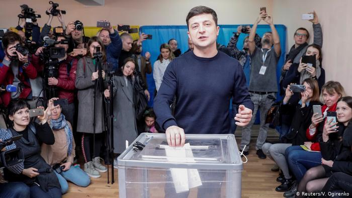 Ukraina må velge retning.