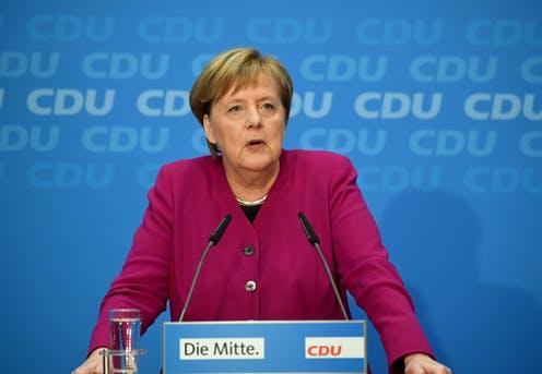 Angela Merkel snakker om fremtiden. Er redd for krig men ruster opp.